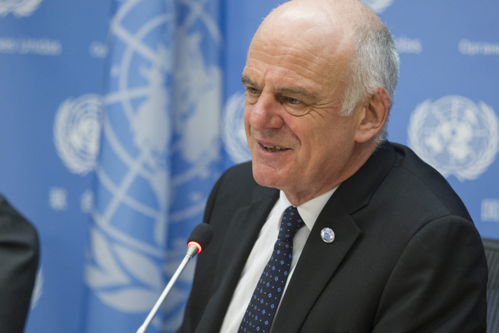 Dr. David Nabarro at a press briefing. UN Photo/Loey Felipe